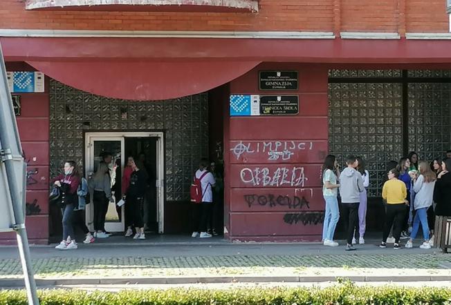 NOVI I UČINKOVITIJI NAČIN RADA Ukupno 268 učenika Gimnazije nastavu pohađa u jednoj smjeni