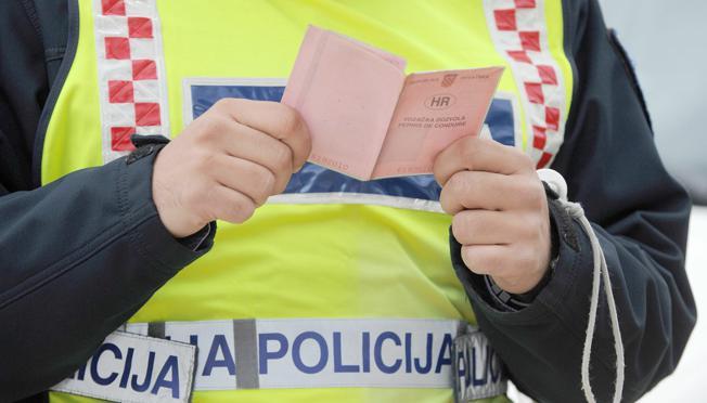 Policajaci iz Županje među sobom dijelili nagradu od mita