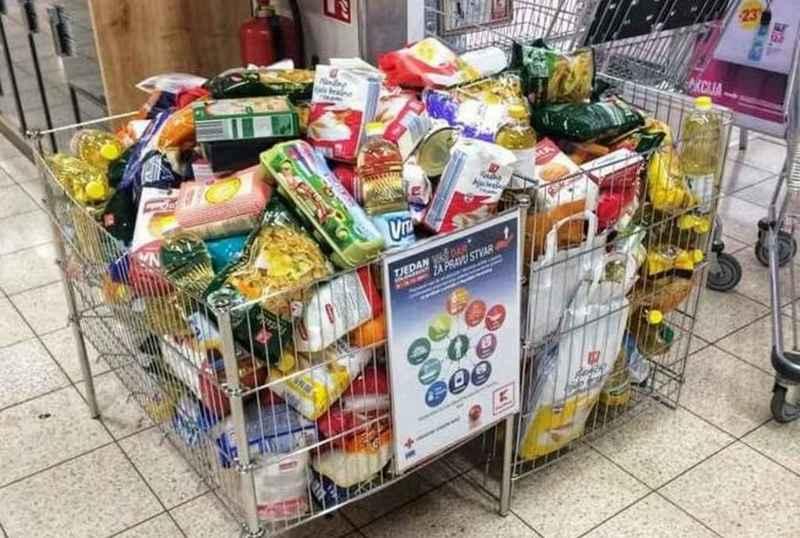 Paketi hrane za obitelji u potrebi