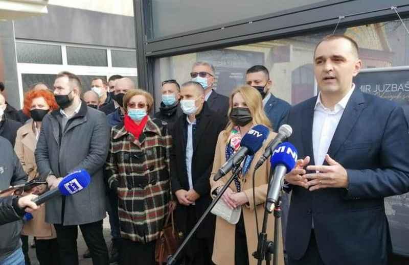 30-AK ČLANOVA ISTUPILO IZ ŽUPANJSKOG HDZ-a Damir Juzbašić, ravnatelj Državnih robnih zaliha, na izbore ide sa svojom nezavisnom listom