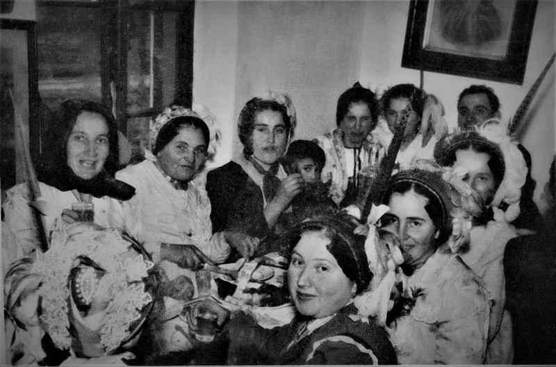 Štitarske snaše na svatovskom ručku 1958. godine