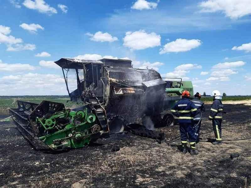 U vršidbi pšenice kod Bošnjaka izgorio kombajn