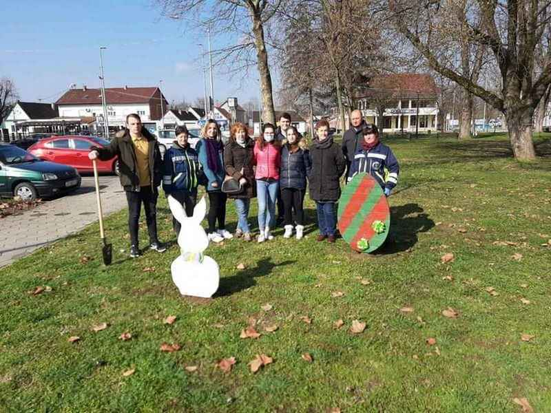 Počelo je blagdansko ukrašavanje gradskih lokacija povodom nadolazećeg Uskrsa