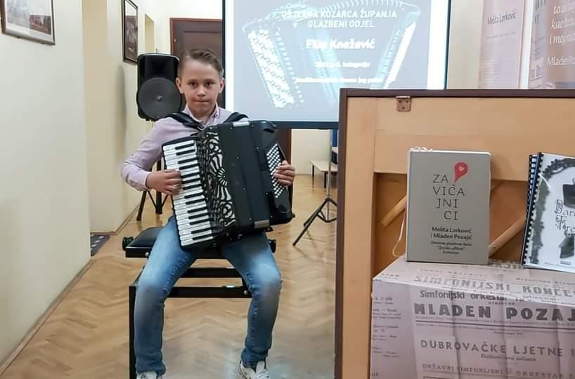 Filip Knežević osvojio drugu nagradu na međunarodnom natjecanju Accordian fest 2021