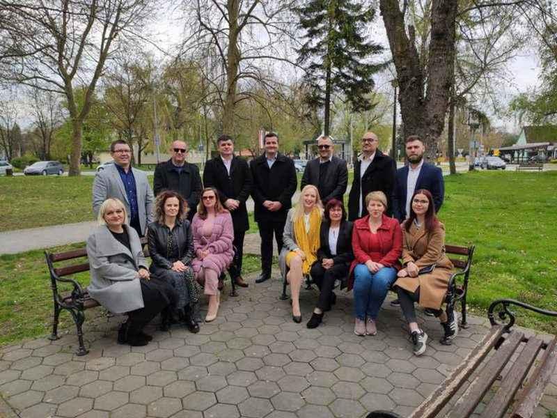 Divan  o starovirskim jilima Slavonije i Srema