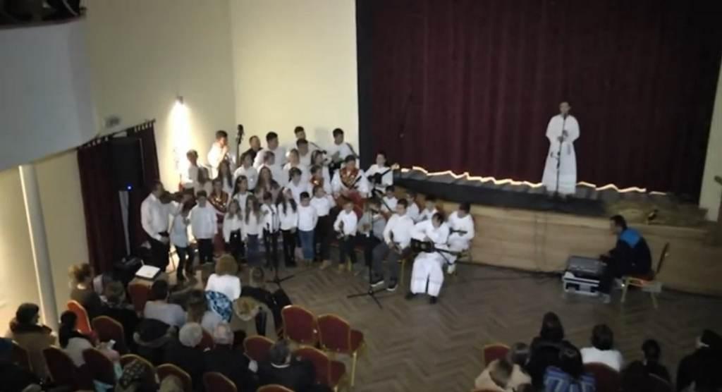 Video: Igrokaz sa pjevanjem