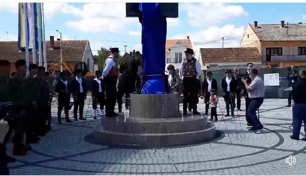 SVEČANO U OPĆINI BOŠNJACI Otkriven Spomen-križ i otvorena Slavonska kuća