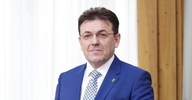 BURILOVIĆ: MOJA ISTINA Šef HGK o ogromnim primanjima, imovini, diplomi...